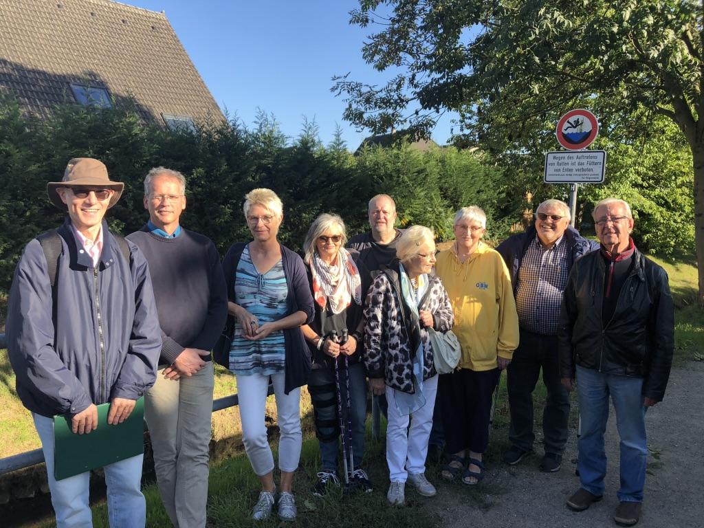 Teilnehmer des Sonntagsspaziergangs der UWG